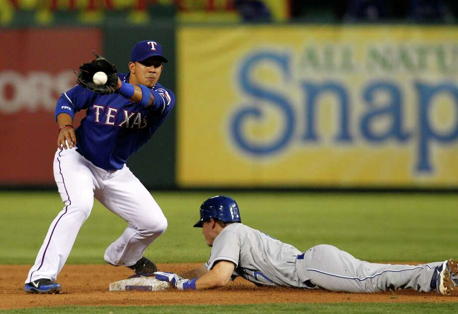 ALBERTO: Texas Rangers second baseman Alberto Gonzalez.  Associated Press photo Photo: AP, STF / AP