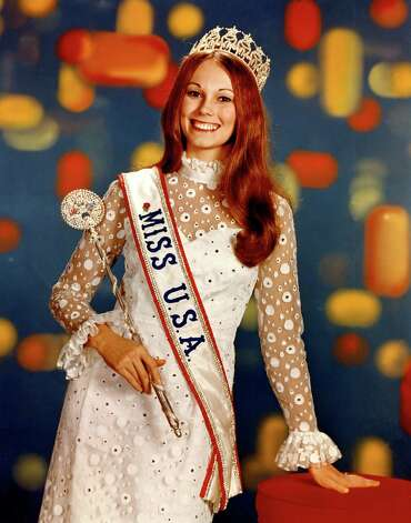 Newly crowned Miss USA 1971, Michele McDonald  was 18 years old and the first high school student to be named Miss USA. Photo: Miss Universe L.P., LLLP