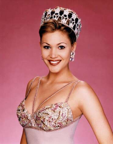 Shanna Moakler became Miss USA 1995 after Smith's win at Miss Universe. Moakler later became known for various acting roles and her personal life, which included relationships with rocker Billy Idol, boxer Oscar de la Hoya and actor Dennis Quaid. Photo: Miss Universe L.P., LLLP