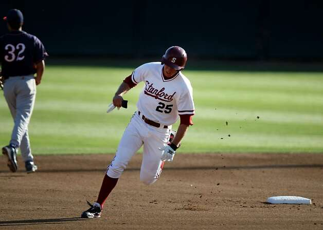 Stanford's Stephen Piscotty rounds second base on Friday during the game versus Fresno. Stanford met Fresno at Sunken Diamond on Friday for the NCAA Regional. Photo: Kevin Johnson, The Chronicle