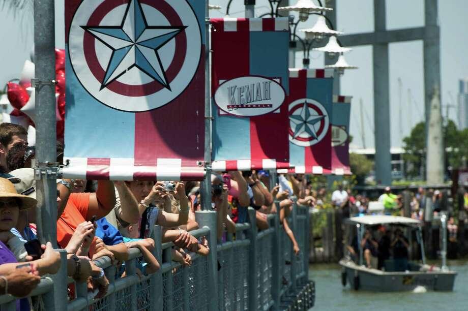 ...so you take a last-second detour to Kemah instead. Photo: Smiley N. Pool, Houston Chronicle / © 2012  Houston Chronicle