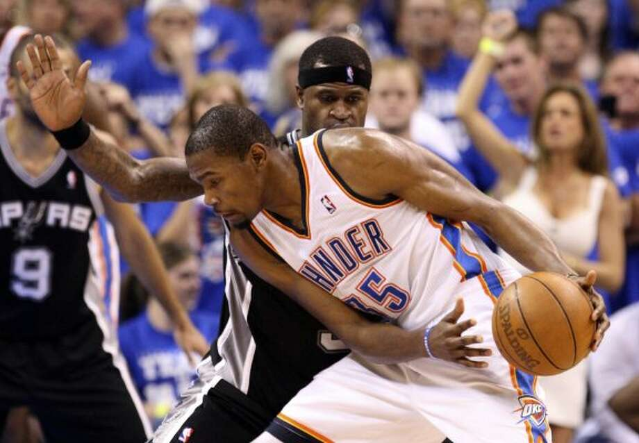 San Antonio Spurs' Stephen Jackson (3) guards Oklahoma City Thunder's Kevin Durant (35) during the second half of game four of the NBA Western Conference Finals in Oklahoma City, Okla. on Saturday, June 2, 2012.  The Thunder won 109-103. (San Antonio Express-News)