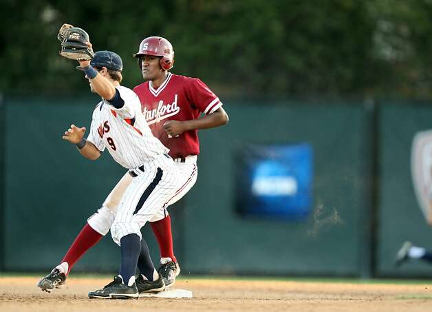 Stanford's Brian Ragira steps onto second base during the NCAA regional game versus Pepperdine on Saturday. Stanford met Pepperdine at Sunken Diamond on Saturday for the 2nd NCAA Regional game. Photo: Kevin Johnson, The Chronicle