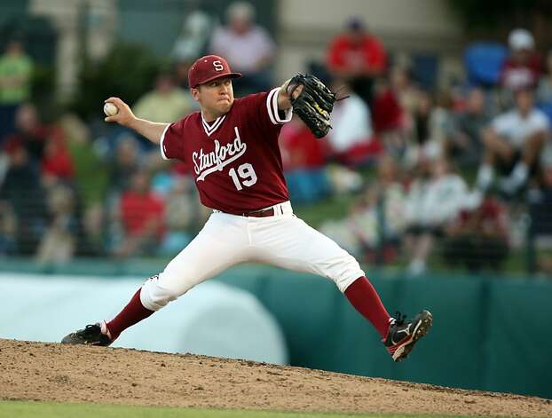 Dean McArdle pitches on Saturday during the NCAA regional versus Pepperdine. Stanford met Pepperdine at Sunken Diamond on Saturday for the 2nd NCAA Regional game. Photo: Kevin Johnson, The Chronicle