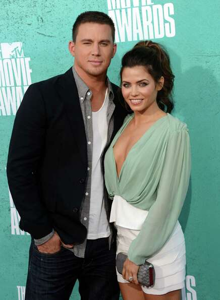 UNIVERSAL CITY, CA - JUNE 03:  Actors Channing Tatum and Jenna Dewan-Tatum arrive at the 2012 MTV Mo