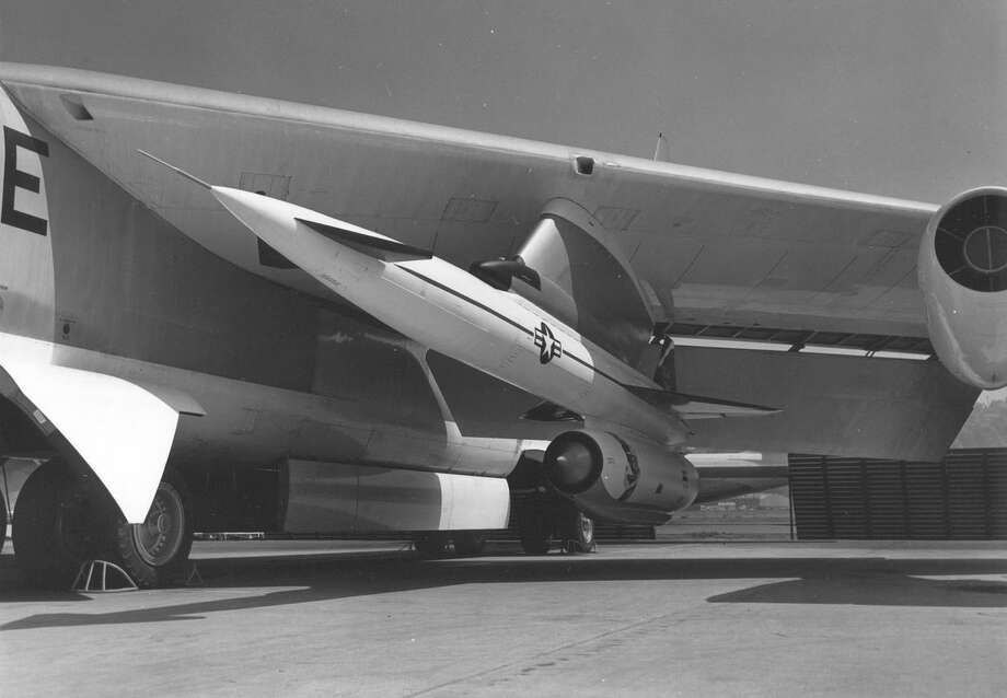 A North American Hound Dog missile (originally designated B-77, then GAM-77 and finally AGM-28) is shown on a B-52. It was a supersonic missiles designed to destroy heavily defended ground targets and be launched from specially modified B-52s, which could carry one under each wing. It was first launched in 1959 but was never used in combat. Photo: U.S. Air Force
