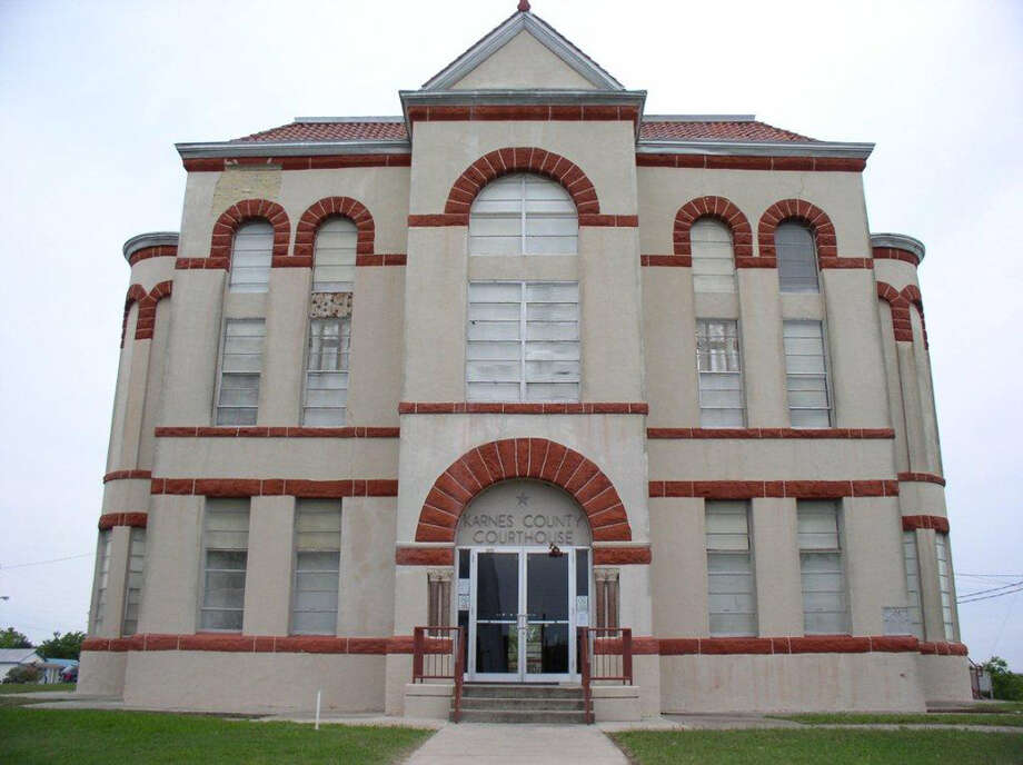Karnes County finished a $1 million project to remove two 1920s additions that put stress on the structure of its historic courthouse, but it needs more funds for repairs. Officials have long been worried about the foundation and cracked walls. Photo: Courtesy Photo