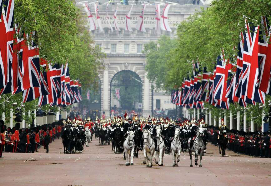 A view down The Mall during the Diamond Jubilee carriage procession after the service of thanksgivin