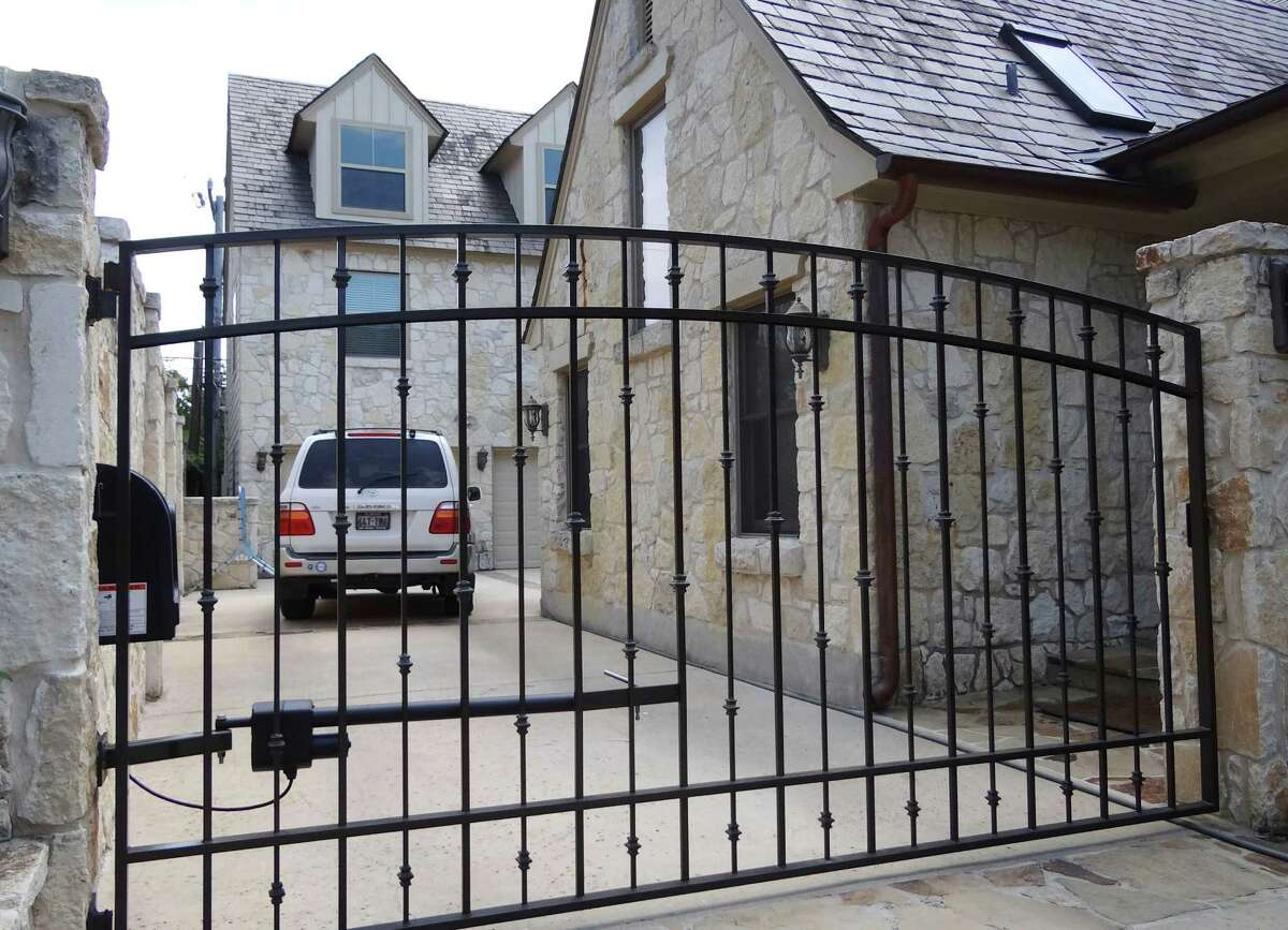San Antonio Quality Fence and Welding installed this gate on a home in the 100 block of East Hermosa. June 2, 2012.