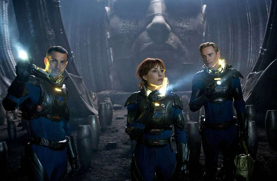 "En esta imagen difundida por 20th Century Fox, Logan Marshall-Green, a la izquierda, Noomi Rapace y Michael Fassbender, en una escena de ""Prometheus"". (AP Foto/20th Century Fox) Photo: Kerry Brown, Associated Press"