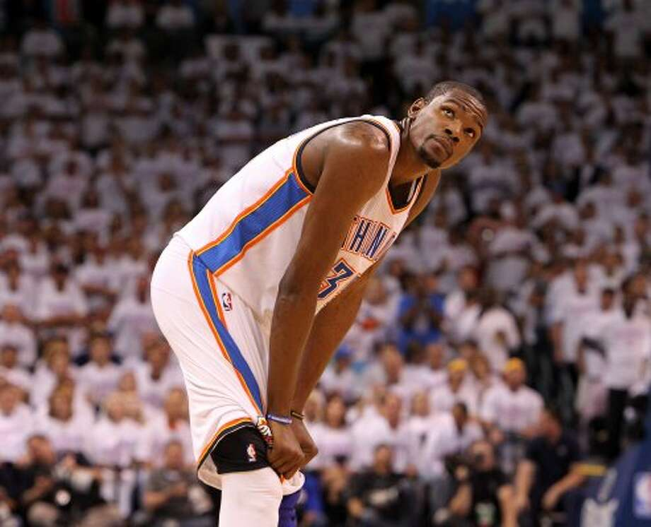 Oklahoma City Thunder's Kevin Durant (35) looks up during the first half of game six of the NBA Western Conference Finals in Oklahoma City, Okla. on Wednesday, June 6, 2012. (Kin Man Hui / San Antonio Express-News)