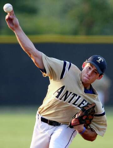 Kerrville Tivy's Logan Vick pitches against Boerne Champion on May 8, 2009 in Boerne. Photo: EDWARD A. ORNELAS, San Antonio Express-News / eaornelas@express-news.net