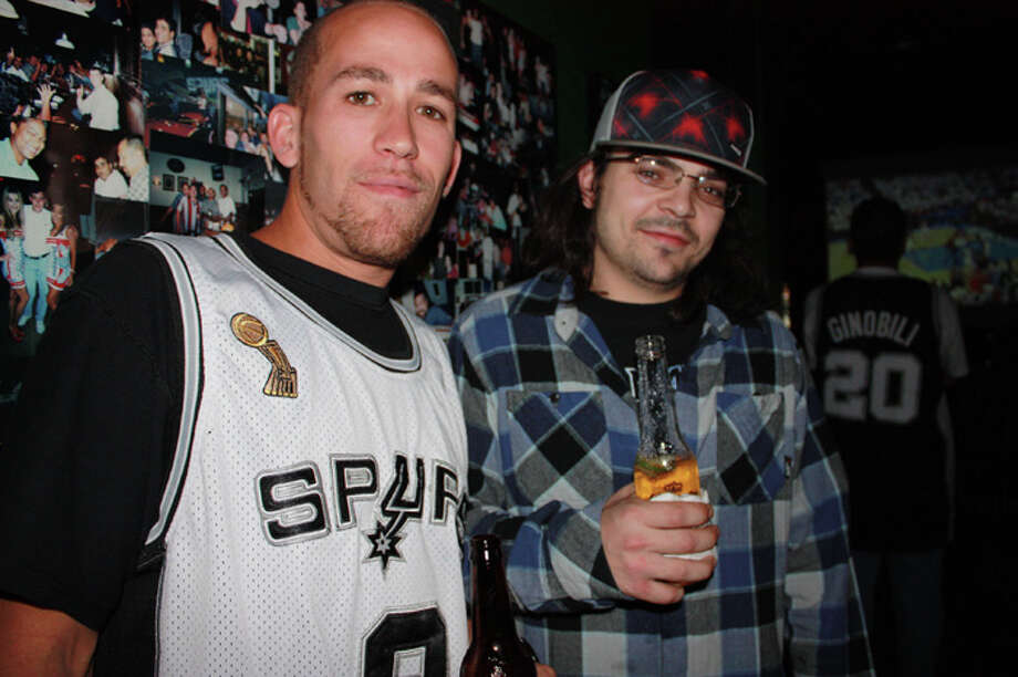 Spurs fans gathered Wednesday night at Legends Sports Bar for game six of the playoffs. Photo: Yvonne Zamora