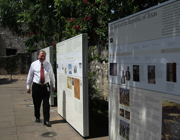 Steve Oswald walks the grounds of the Alamo on June 7, 2012. Photo: San Antonio Express-News