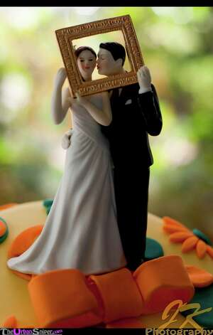 Cake-Topper from Joseph Knapp Photography Photo: Flickr Creative Commons License