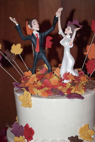 Fall Cake Topper from Aizlyne Photo: Flickr Creative Commons License