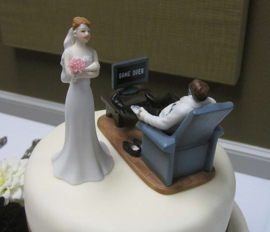 cake topper from pinprick Photo: Flickr Creative Commons License