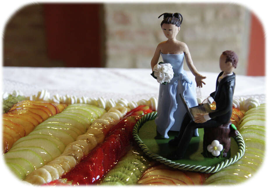Cake topper from ||...Lou...|| Photo: Flickr Creative Commons License