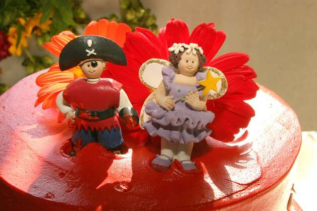 The Cake Toppers from spaceninja Photo: Flickr Creative Commons License
