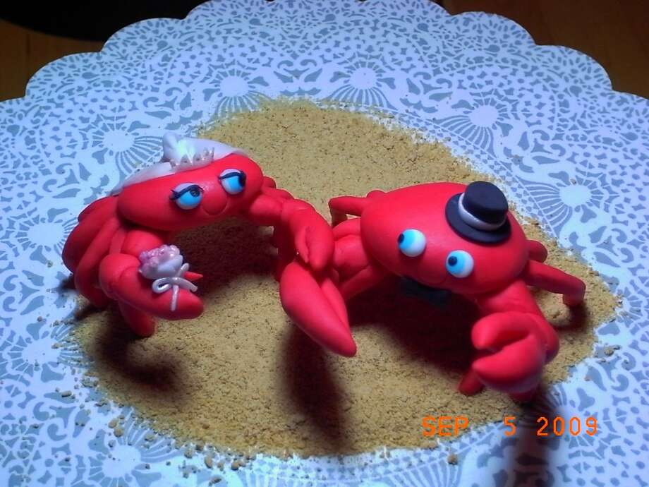 Fondant Crabs Wedding Cake Topper from bittle Photo: Flickr Creative Commons License