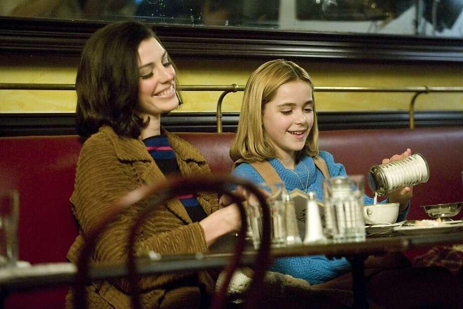 Megan Draper (Jessica Pare) and Sally Draper (Kiernan Shipka) - Mad Men - Season 5, Episode 12 Photo: Ron Jaffe, AMC