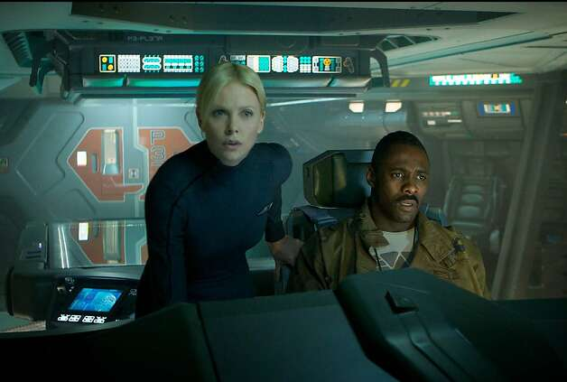 "En esta imagen difundida por 20th Century Fox, Charlize Theron e Idris Elba en una escena de ""Prometheus"". (AP Foto/20th Century Fox) Photo: Kerry Brown, Associated Press"