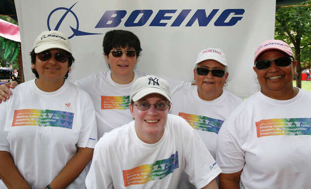FEATURES; ACS PRIDEFEST JMS ; 06/12/10; From the left, Roseana Lugo, Mina Parvinchi, Shani Jones (front), Leonila Gomez and Chata Benning at Pridefest 2010, Saturday, June 12, 2010 at Hamisfair Plaza in San Antonio. ( PHOTO by J. Michael Short / SPECIAL ) Photo: J. MICHAEL SHORT, SPECIAL TO THE EXPRESS-NEWS / THE SAN ANTONIO EXPRESS-NEWS