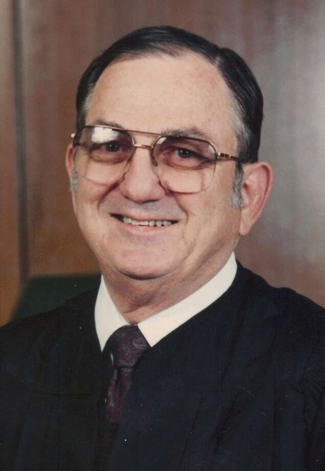 "Retired Judge Billie B. ""B.B."" Schraub, who began his judicial career in the 1960s, overseeing a municipal court, a county court-at-law, a district court and the 26-county Third Administrative Judicial Region, died Thursday of complications related to Parkinson's disease. He was 84. Photo: Courtesy Photo"