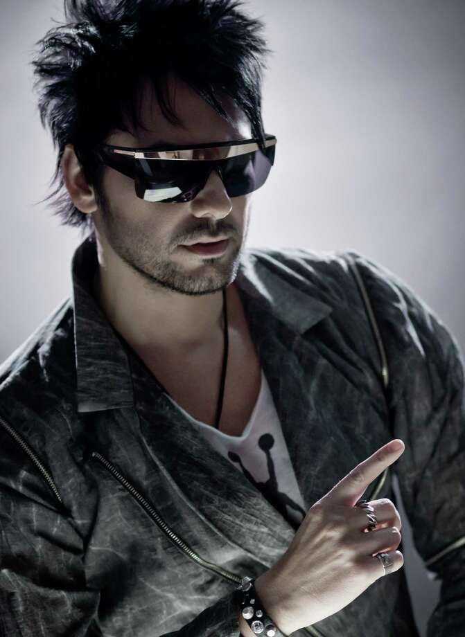 Beto Cuevas Photo: Warner Music / Copyright © 2012. Omar Guerra Photography. All Rights Reserved