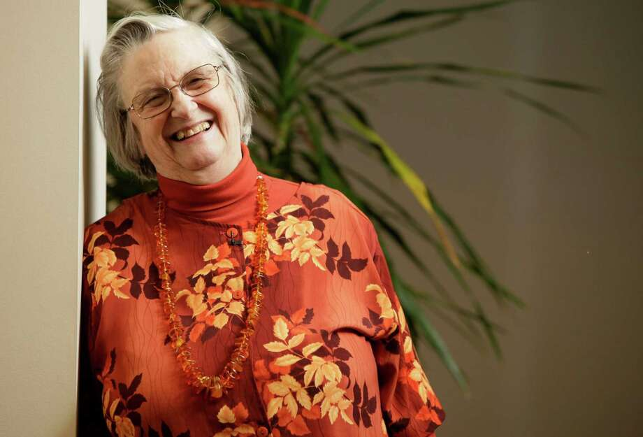 FILE - In an Oct. 12, 2009, file photo, Elinor Ostrom poses for a portrait in Bloomington, Indiana, after becoming the first woman to win a Nobel Prize in economics.  A university spokesman said Ostrom died from cancer Tuesday, June 12, 2012, at a Bloomington hospital. She was 78. (AP Photo/AJ Mast, File) Photo: AJ MAST / AP2009