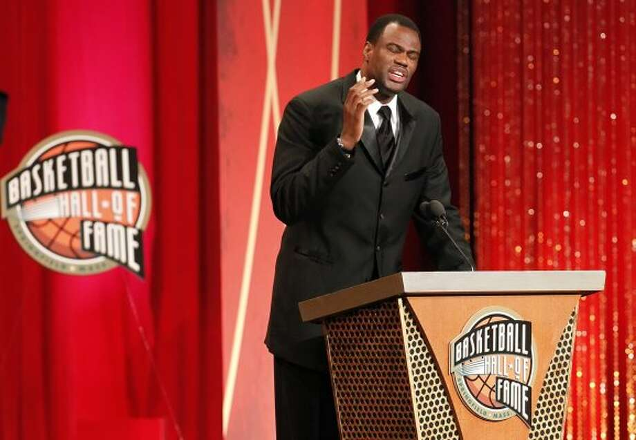 David Robinson gets animated as he quotes a biblical verse during his enshrinement into the Naismith Memorial Basketball Hall of Fame at the Springfield Symphony Hall in Springfield, Mass. on Friday, Sept. 11, 2009.  (Kin Man Hui / San Antonio Express-News)