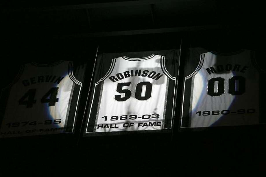 David Robinson's hall of fame jersey during a recognition ceremony after the Spurs vs. 76ers at the AT&T Center, Sunday, November 29, 2009.  (Jennifer Whitney / San Antonio Express-News)