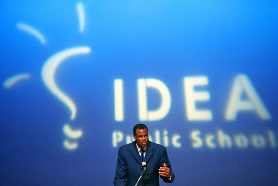 David Robinson speaks Wednesday Feb. 29, 2012 at the Carver Cultural Center to announce a partnership between the Carver Academy and IDEA Public Schools to bring IDEA schools to San Antonio. The company has been operating in the Rio Grande Valley for 11 years and now operates 20 schools there. (William Luther / San Antonio Express-News)