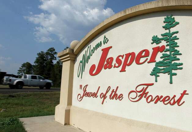 "The ""Welcome to Jasper"" sign, Tuesday, Aug. 30, 2011, in Jasper, Texas.  Rodney Pearson, who was named Chief of police in Jasper, by the city council, but was disputed by citizens in the community, which has sparked debate in the city, dividing the city along racial lines. Several citizens in Jasper have signed a petition asking to recall council members Terrya Norsworthy and her fellow councilmen Willie Land and Tommy Adams.  This, as the state of Texas prepares to put the first of the James Byrd killers to death in three weeks.  ( Karen Warren / Houston Chronicle ) Photo: Karen Warren, Staff / © 2011 Houston Chronicle"