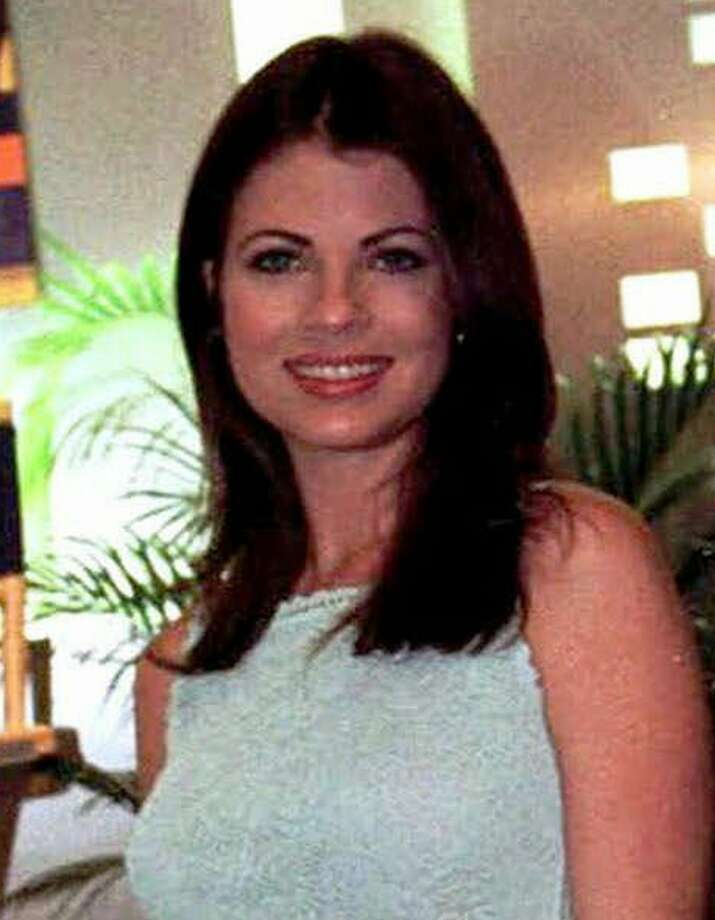 FILE--Actress Yasmine Bleeth poses in New Orleans, La., in this Jan. 27,1999 file photo. Bleeth was sentenced Wednesday, Jan. 9, 2002, to two years probation on a cocaine-possession charge. The actress also must undergo regular drug tests, serve 100 hours of community service and pay court costs, said Christopher Coyle, a deputy chief trial attorney for the Wayne County Prosecutor's Office.  (AP Photo/Judi Bottoni, File) Photo: JUDI BOTTONI / AP