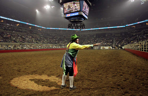 Legendary rodeo clown Leon Coffey, 57, contracted spinal meningitis after spine surgery. Photo: KIN MAN HUI, SAN ANTONIO EXPRESS-NEWS / SAN ANTONIO EXPRESS-NEWS