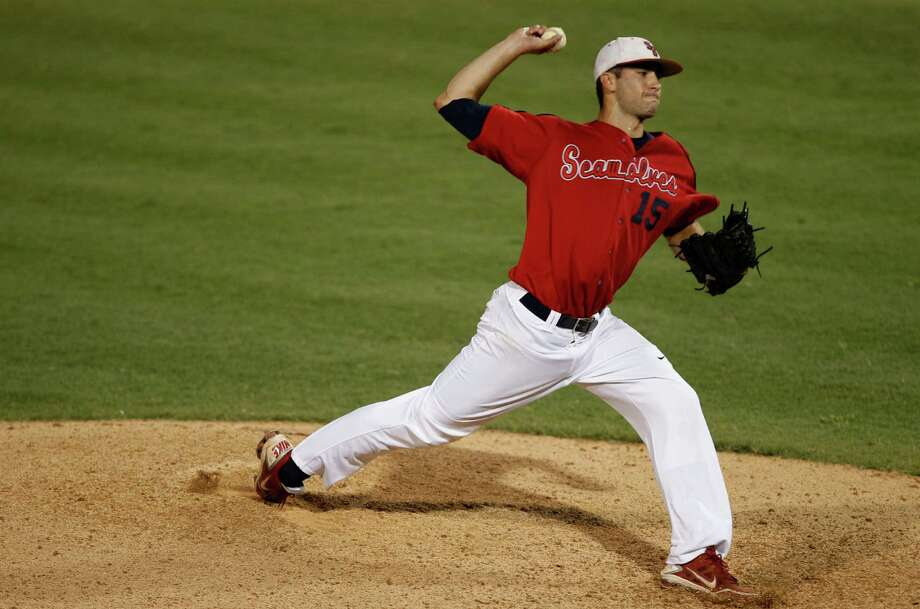 Stony Brook's James Campbell (15) throws during an NCAA college baseball tournament regional game against Central Florida, Saturday, June 2, 2012, in Coral Gables, Fla. Central Florida defeated Stony Brook 9-8. (AP Photo/Lynne Sladky) Photo: Lynne Sladky, Associated Press / AP