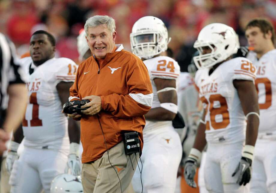 Mack Brown is looking forward to a season he thinks will compare more favorably to Texas' 12-1 campaign in 2008 than the 5-7 and 8-5 records of the last two years. Photo: Charlie Neibergall / AP