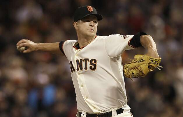San Francisco Giants pitcher Matt Cain delivers against the Houston Astros during the sixth inning of a baseball game in San Francisco, Wednesday, June 13, 2012. Photo: Jeff Chiu, Associated Press