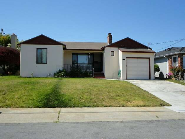 524 Bayview Ave. Photo: Prudential California Realty, Blockshopper