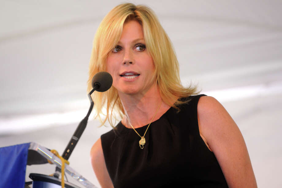 Emmy Award winning actress Julie Bowen speaks at The Norma F. Pfriem Breast Care Center's annual Rose of Hope luncheon in Fairfield, Conn. June 14th, 2012. Photo: Ned Gerard / Connecticut Post