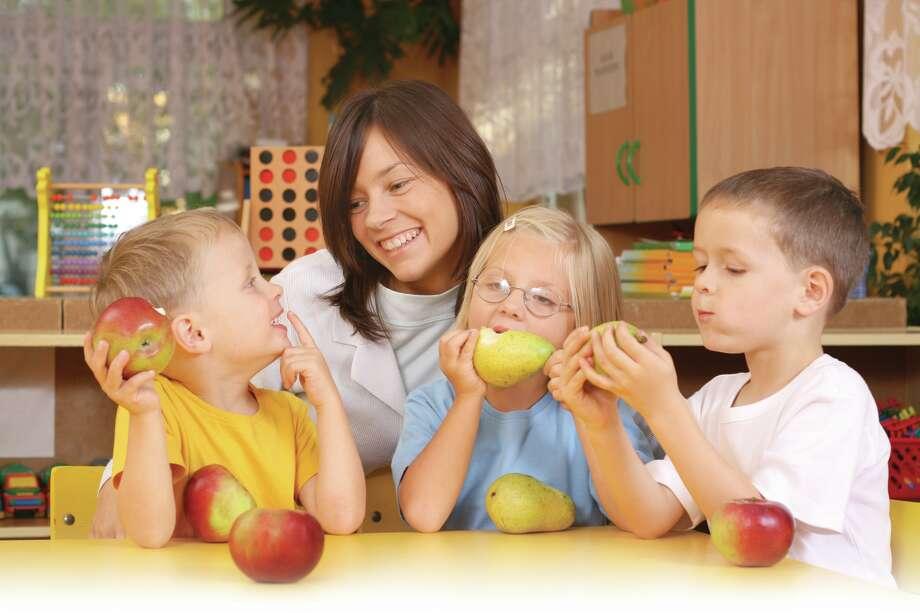 Make snacktime a teachable moment. (Fotolia.com) Photo: Matka_Wariatka / matka_Wariatka - Fotolia