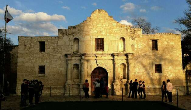 The Alamo Shrine, site of the 1836 Battle of the Alamo, is visited by tourists on Saturday, Feb. 19, 2011. ( BILLY CALZADA / gcalzada@express-news.net  ) Photo: BILLY CALZADA / gcalzada@express-news.net