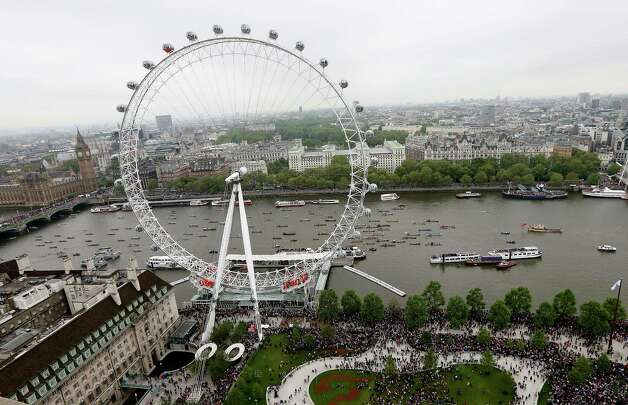 The London Eye was the tallest Ferris wheel when it opened, but it's since been surpassed. It's still considered the world's tallest cantilevered wheel, meaning its A-frame support is on just one side of the wheel. It's pictured during England's Diamond Jubilee on June 3. Photo: Scott Heavey, Getty Images / 2012 Getty Images