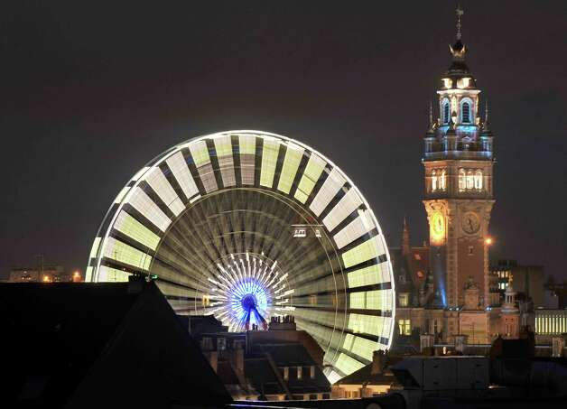 A Ferris wheel in Lille, France. Photo: PHILIPPE HUGUEN, AFP/Getty Images / 2009 AFP