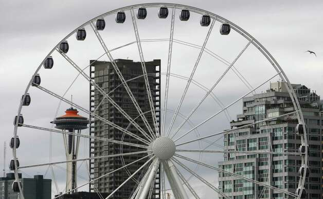The Seattle Great Wheel is shown on Tuesday, June 5, 2012. Photo: JOSHUA TRUJILLO / SEATTLEPI.COM