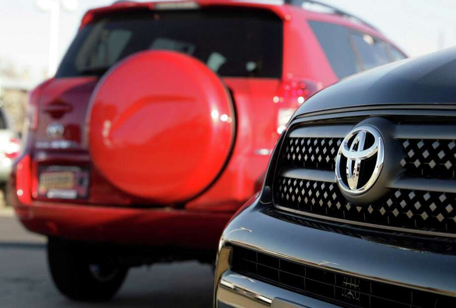 The U.S. government is looking into Toyota cars and SUVs from the 2007 to 2009 model years for fire risk, which is linked to automatic switches in the doors. Photo: DAVID ZALUBOWSKI / AP2006