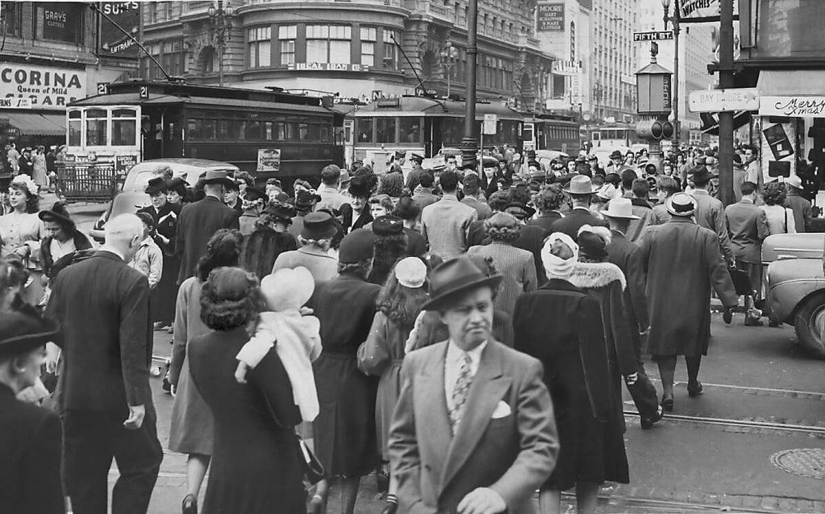 Photo ran 11/30/1947 Busy traffic at Fifth and Market Street November 1947 (3:30 p.m.). Photo was taken: 11/28/1947.