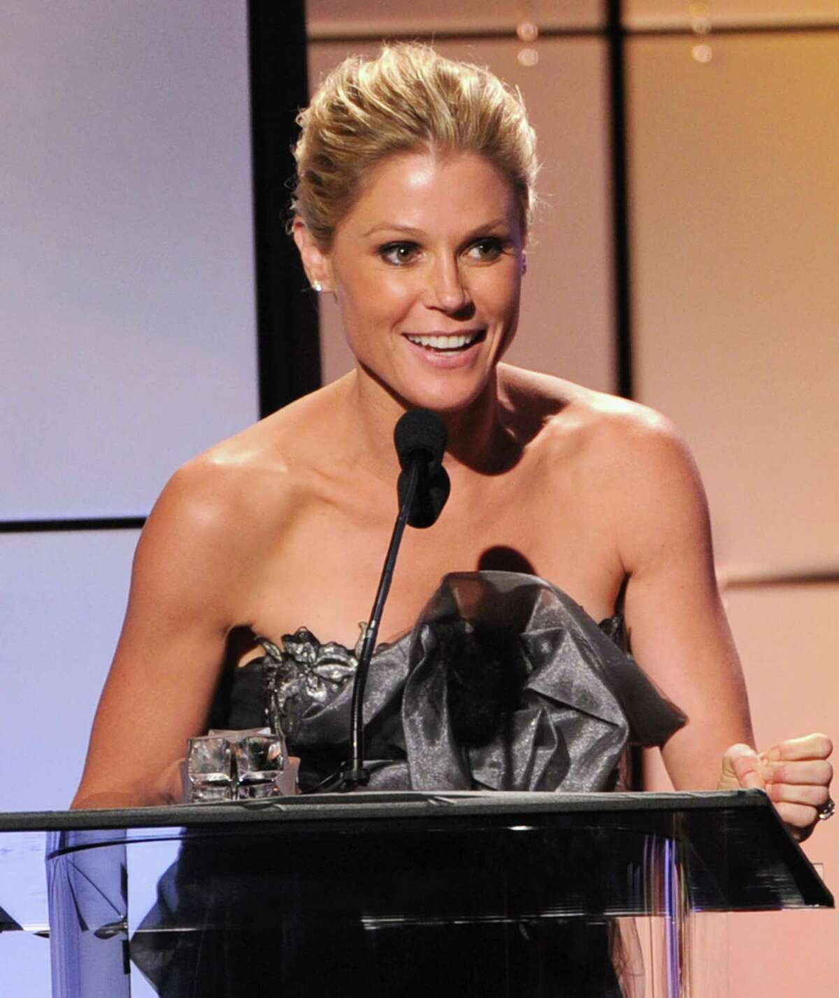 Julie Bowen accepts the award for Best Comedy Actress onstage during The Broadcast Television Journalists Association Second Annual Critics' Choice Awards at The Beverly Hilton Hotel on Monday.
