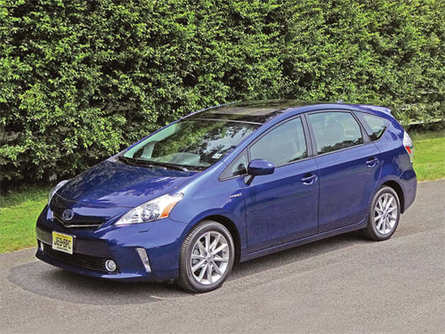2012 Toyota Prius v Five  (photo by Dan Lyons) / copyright: Dan Lyons - 2012